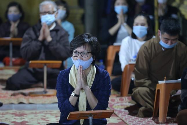 Chùa Phúc Khánh đóng cửa làm lễ cầu an trực tuyến ảnh 7