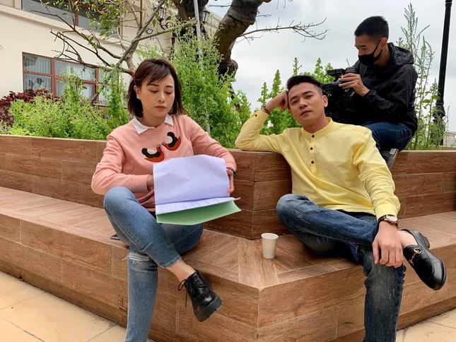 Mạnh Trường-Phương Oanh tái hợp trong 'Hương vị tình thân' ảnh 3