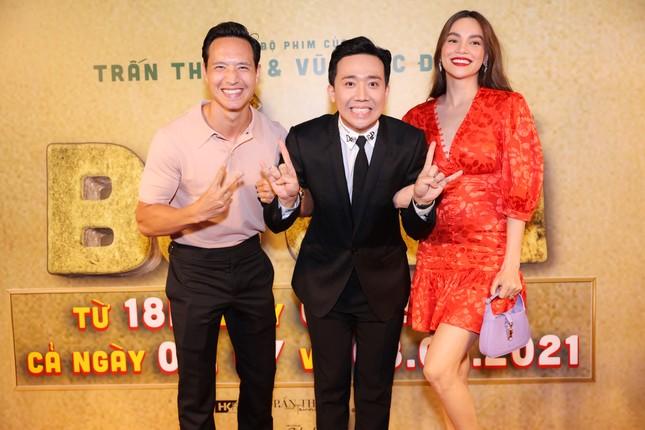 Hà Hồ-Kim Lý cùng dàn sao Việt đình đám ủng hộ 'Bố Già' Trần Thành ảnh 3