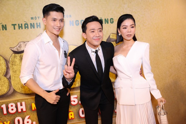 Hà Hồ-Kim Lý cùng dàn sao Việt đình đám ủng hộ 'Bố Già' Trần Thành ảnh 4