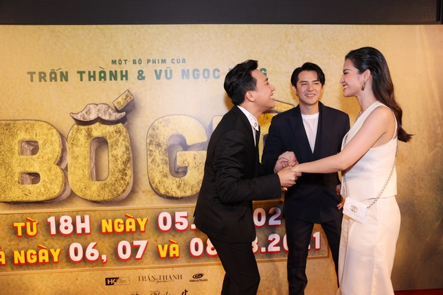 Hà Hồ-Kim Lý cùng dàn sao Việt đình đám ủng hộ 'Bố Già' Trần Thành ảnh 5