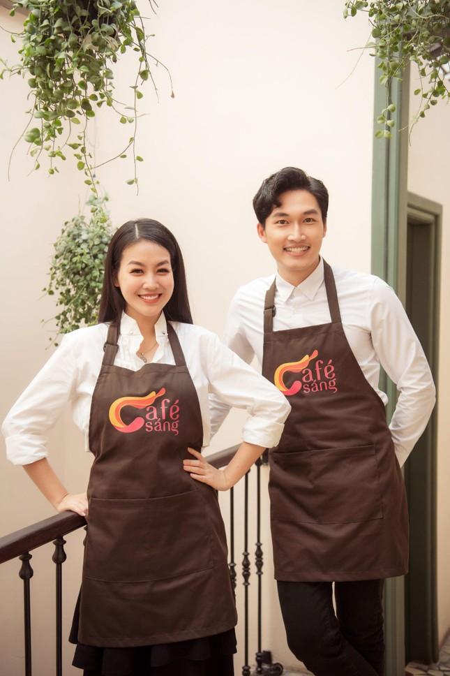 Á hậu Phương Nga, diễn viên Đình Tú bất ngờ làm MC 'Café sáng' ảnh 2
