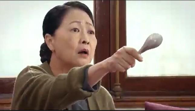 Hương vị tình thân: Hé lộ vai mẹ chồng đáo để, điên loạn của NSND Như Quỳnh ảnh 3