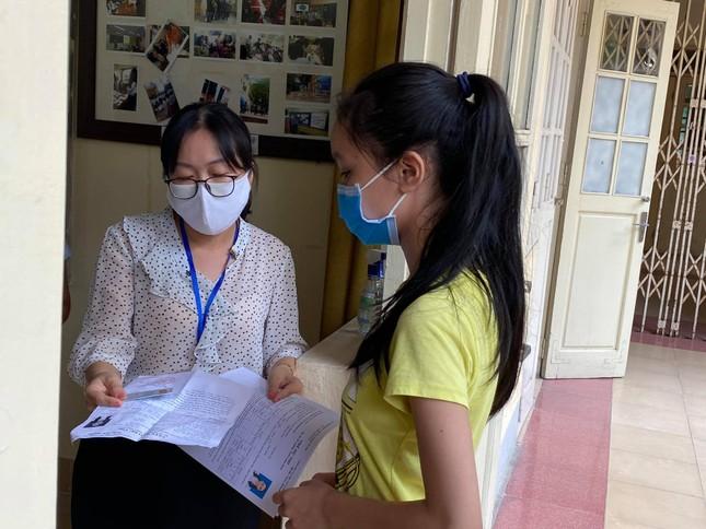 Điểm thi đặc biệt Hà Nội: 7 thí sinh dự thi nhưng có tới 18 cán bộ, giáo viên tổ chức thi ảnh 2