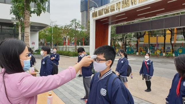 Sáng nay, hơn hai triệu học sinh Hà Nội trở lại trường ảnh 5