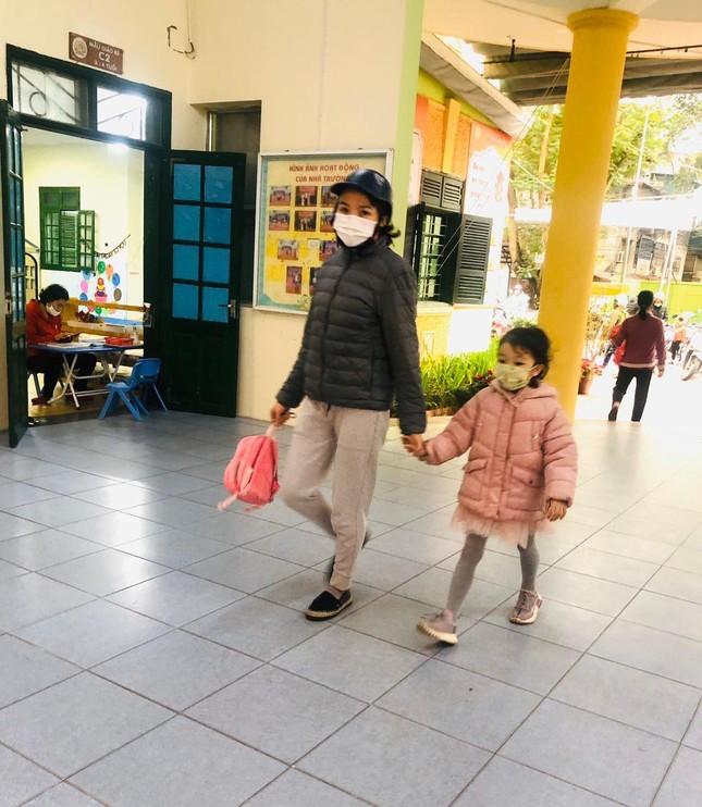 Sáng nay, hơn hai triệu học sinh Hà Nội trở lại trường ảnh 7