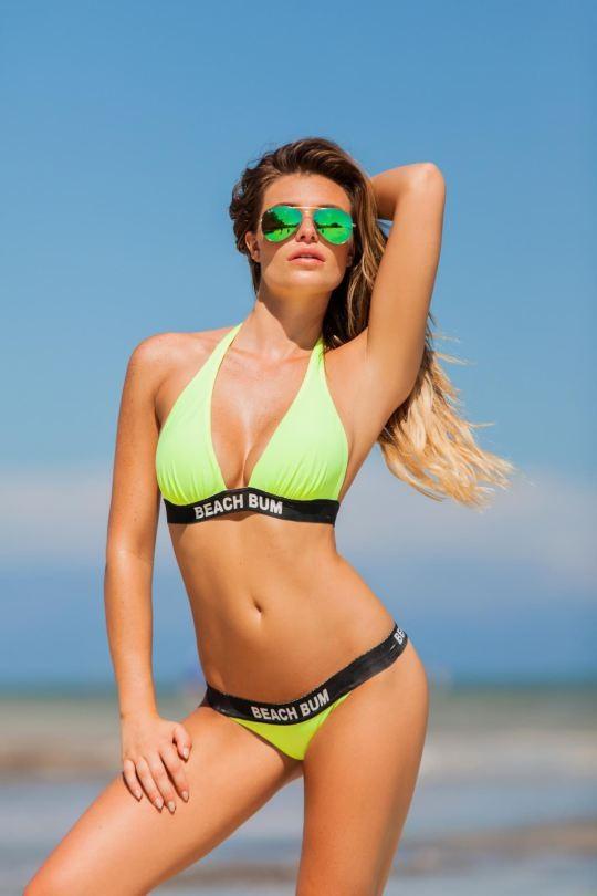 Ngắm dáng vóc đẹp ngất ngây của mẫu bikini người Mỹ ảnh 2