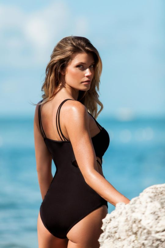 Ngắm dáng vóc đẹp ngất ngây của mẫu bikini người Mỹ ảnh 24
