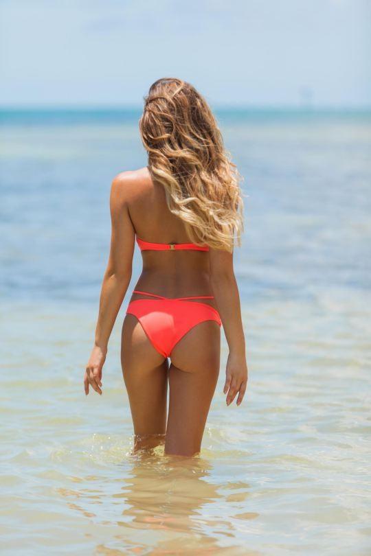 Ngắm dáng vóc đẹp ngất ngây của mẫu bikini người Mỹ ảnh 10