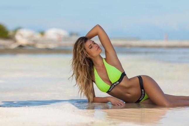 Ngắm dáng vóc đẹp ngất ngây của mẫu bikini người Mỹ ảnh 1