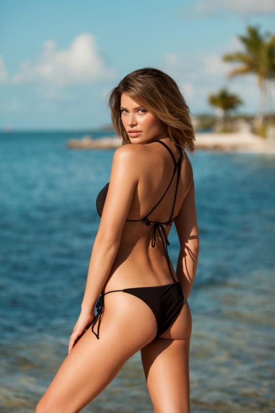 Ngắm dáng vóc đẹp ngất ngây của mẫu bikini người Mỹ ảnh 21