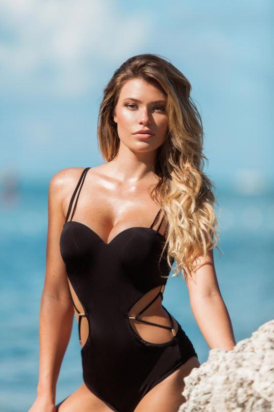 Ngắm dáng vóc đẹp ngất ngây của mẫu bikini người Mỹ ảnh 20