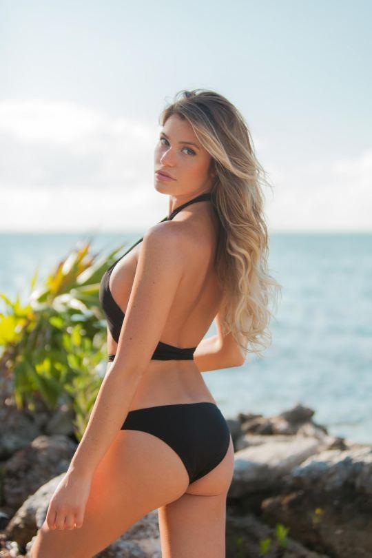 Ngắm dáng vóc đẹp ngất ngây của mẫu bikini người Mỹ ảnh 8