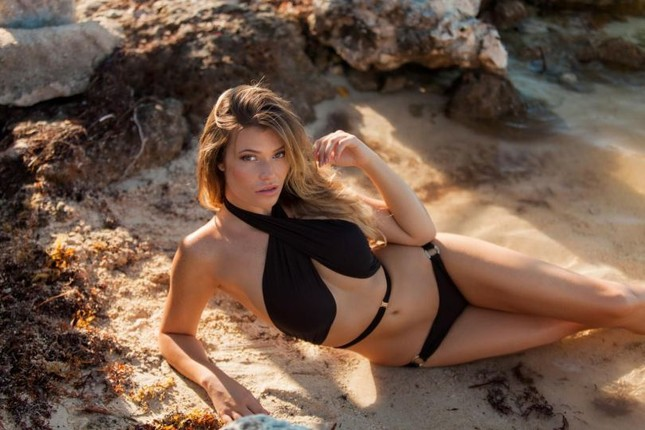 Ngắm dáng vóc đẹp ngất ngây của mẫu bikini người Mỹ ảnh 4