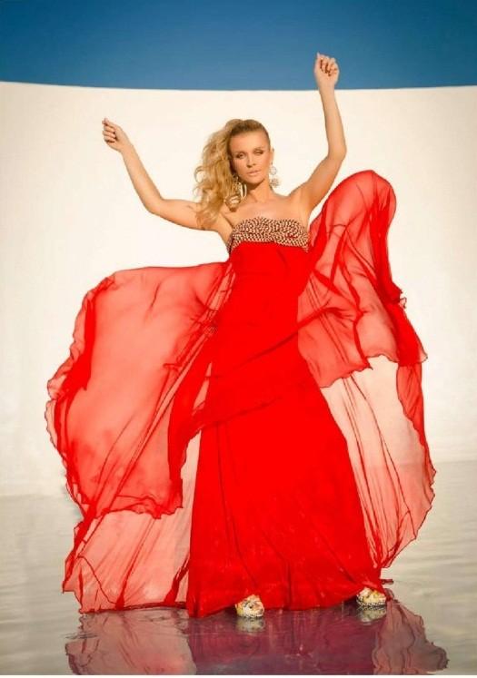 Joanna Krupa tiết lộ bí quyết giữ dáng chuẩn, eo thon ảnh 2