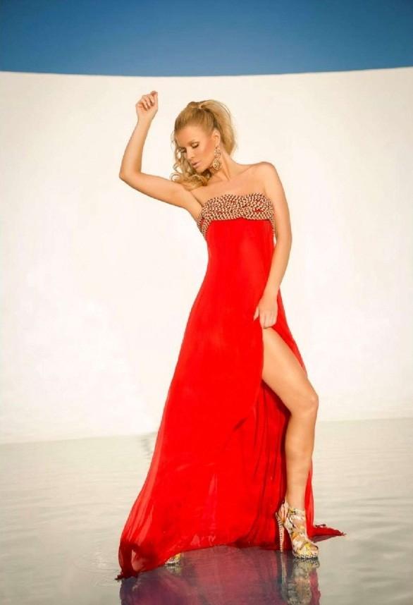 Joanna Krupa tiết lộ bí quyết giữ dáng chuẩn, eo thon ảnh 1