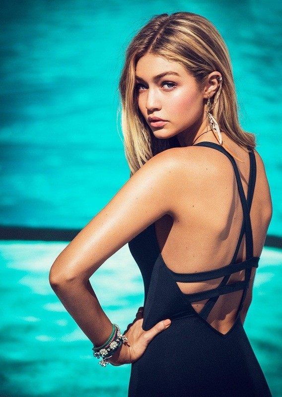 Gigi Hadid khoe hình thể đẹp nuột nà ảnh 12