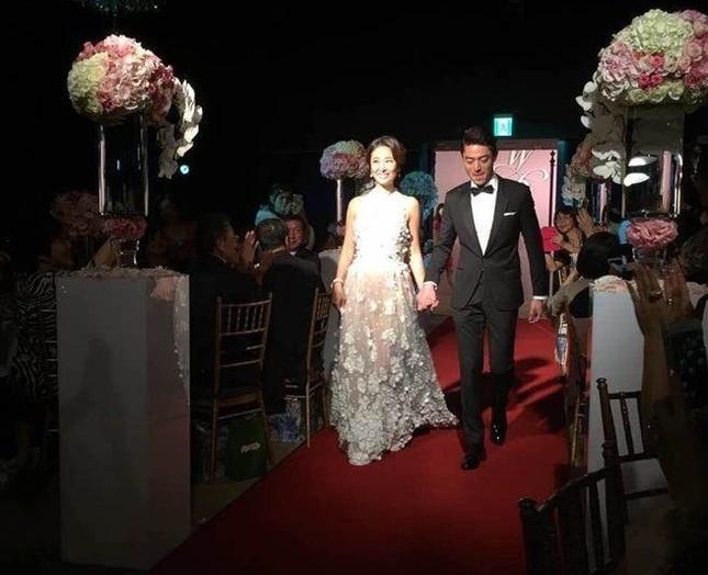 Vợ chồng Lâm Tâm Như nồng nàn tình cảm trong tiệc cưới ở Đài Bắc ảnh 4