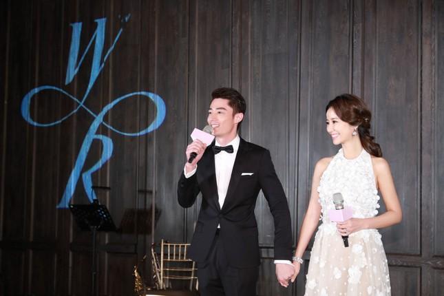 Vợ chồng Lâm Tâm Như nồng nàn tình cảm trong tiệc cưới ở Đài Bắc ảnh 5