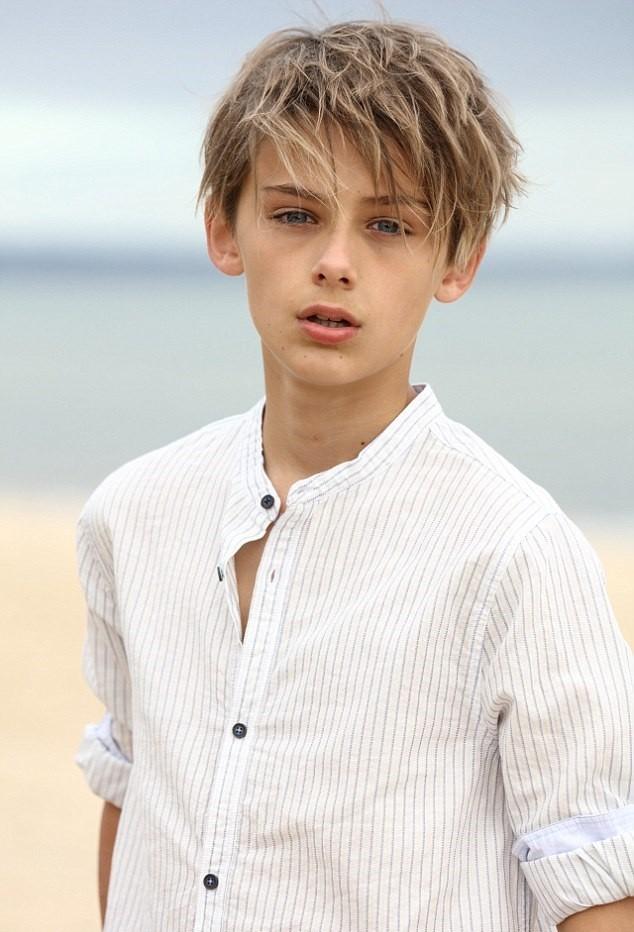 Dân mạng 'sôi sục' săn tìm hotboy 12 tuổi đẹp trai như tài tử ảnh 4