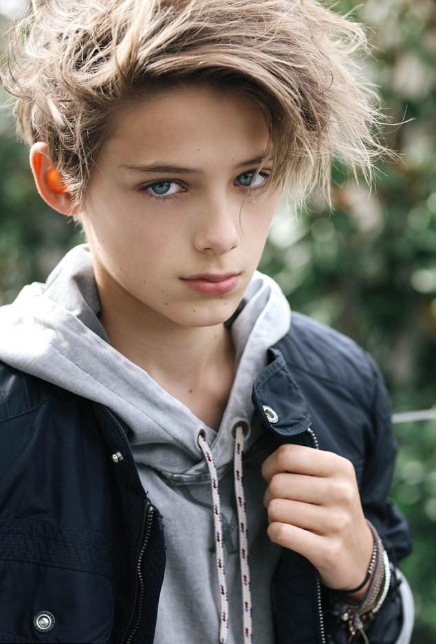 Dân mạng 'sôi sục' săn tìm hotboy 12 tuổi đẹp trai như tài tử ảnh 8