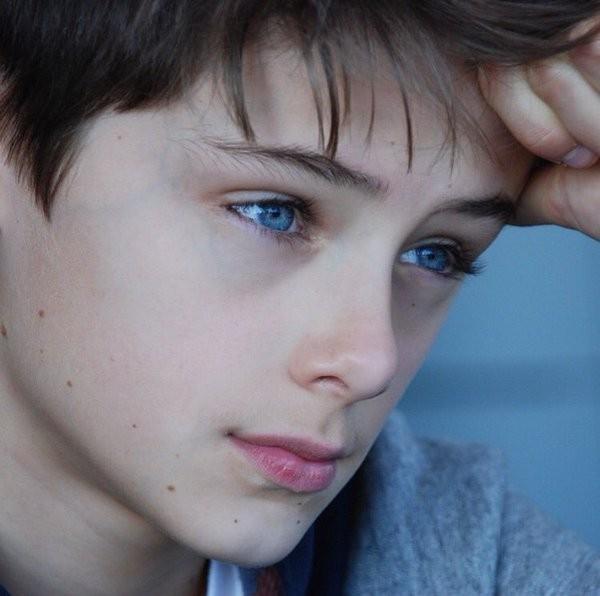 Dân mạng 'sôi sục' săn tìm hotboy 12 tuổi đẹp trai như tài tử ảnh 7