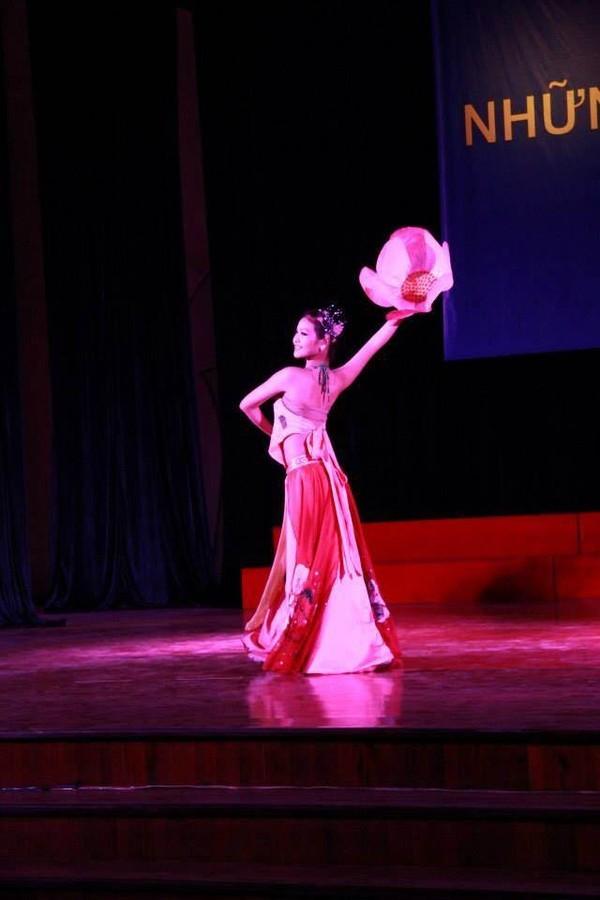 Nhan sắc vợ sắp cưới 18 tuổi của kiện tướng Dancesport Chí Anh ảnh 12