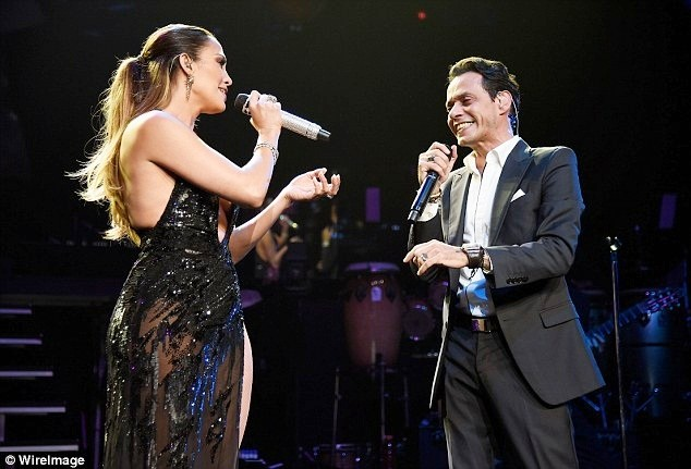 Jennifer Lopez quyến rũ mê hồn khi hòa giọng cùng chồng cũ ảnh 2