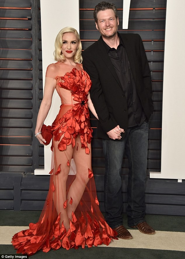 Nữ ca sĩ Gwen Stefani 47 tuổi vẫn rực lửa nồng nàn ảnh 4