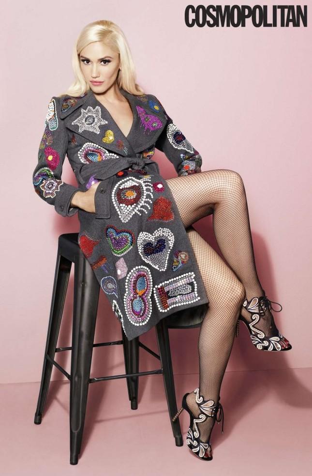 Nữ ca sĩ Gwen Stefani 47 tuổi vẫn rực lửa nồng nàn ảnh 1