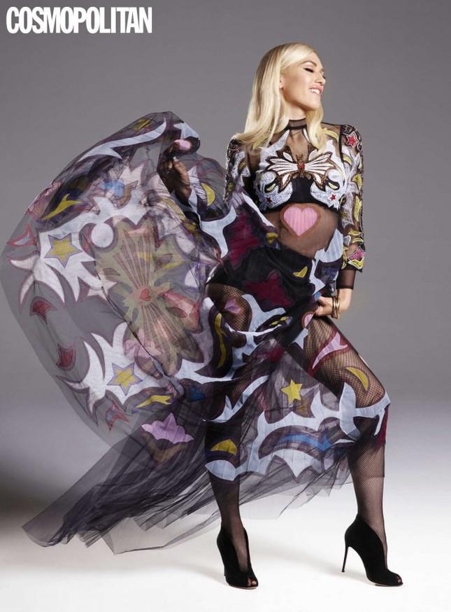 Nữ ca sĩ Gwen Stefani 47 tuổi vẫn rực lửa nồng nàn ảnh 5