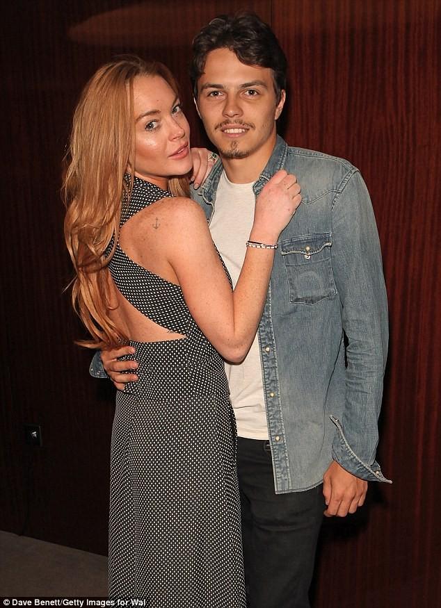 Lindsay Lohan cay đắng thừa nhận tự mua nhẫn đính hôn ảnh 6