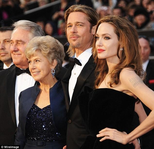 Bị Jolie bỏ, Brad Pitt khóc và cầu cứu cha mẹ hàng ngày ảnh 3