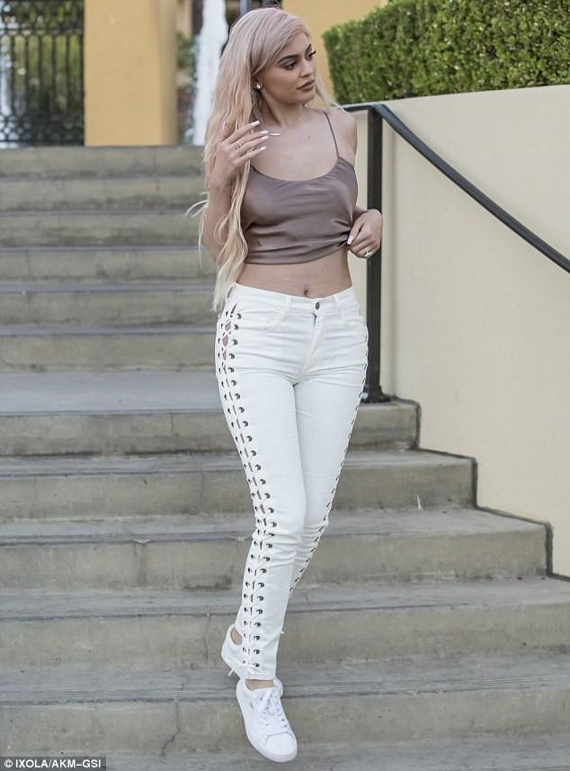 Paris Hilton, Rihanna diện thời trang gợi cảm nhất tuần qua ảnh 7