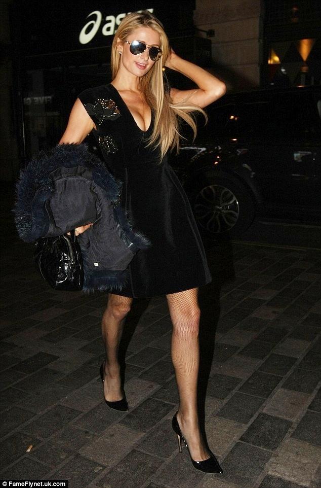Paris Hilton, Rihanna diện thời trang gợi cảm nhất tuần qua ảnh 6