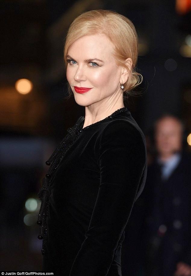 Ngỡ ngàng sắc vóc trẻ đẹp rực rỡ của Nicole Kidman ảnh 2