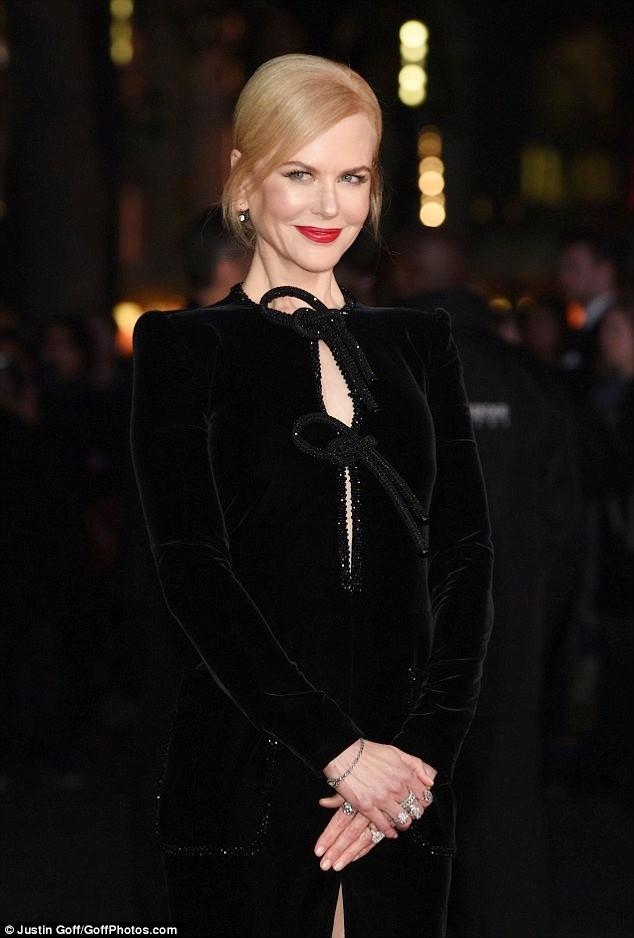 Ngỡ ngàng sắc vóc trẻ đẹp rực rỡ của Nicole Kidman ảnh 3