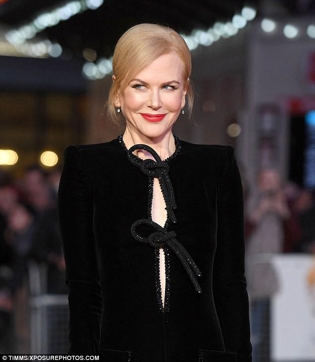 Ngỡ ngàng sắc vóc trẻ đẹp rực rỡ của Nicole Kidman ảnh 1