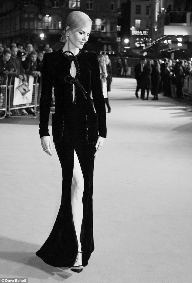 Ngỡ ngàng sắc vóc trẻ đẹp rực rỡ của Nicole Kidman ảnh 11
