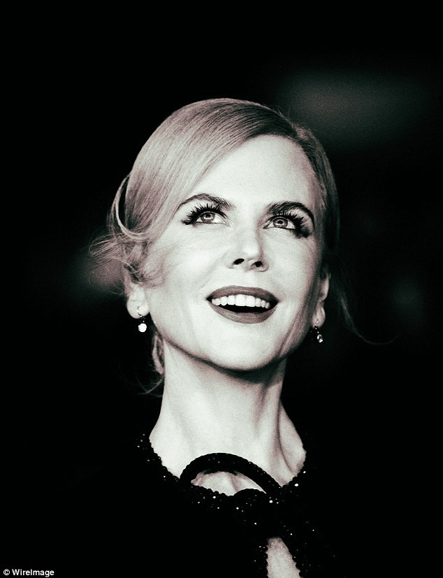 Ngỡ ngàng sắc vóc trẻ đẹp rực rỡ của Nicole Kidman ảnh 9