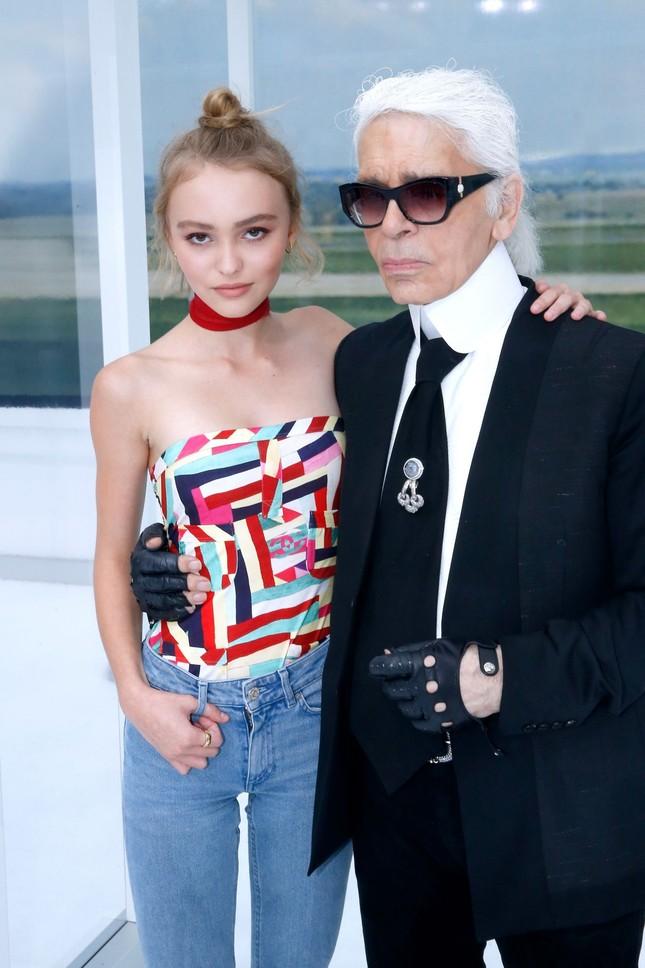 Con gái Johnny Depp 17 tuổi táo bạo gợi cảm ảnh 9