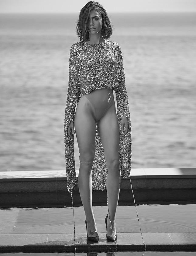 'Nàng Bạch Tuyết' Lily Collins gây bất ngờ với phong cách táo bạo ảnh 6