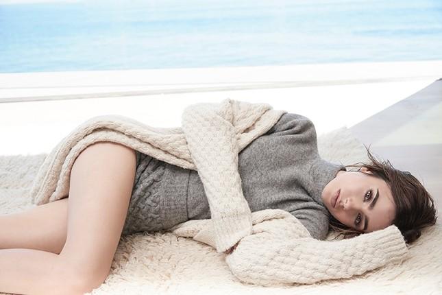 'Nàng Bạch Tuyết' Lily Collins gây bất ngờ với phong cách táo bạo ảnh 13