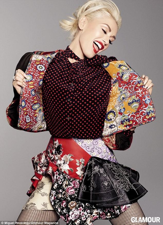 Gwen Stefani lưng trần quyến rũ trong tiệc của Glamour ảnh 1