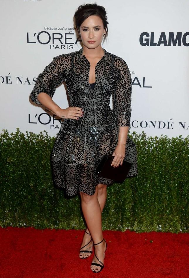 Gwen Stefani lưng trần quyến rũ trong tiệc của Glamour ảnh 16