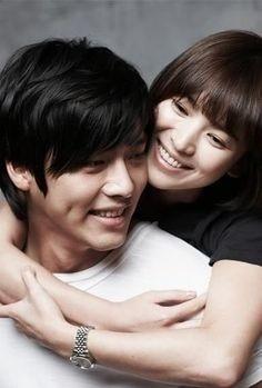 Bạn trai cũ của Song Hye Kyo có người yêu mới ảnh 6