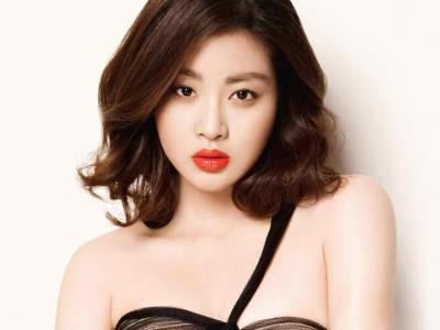 Bạn trai cũ của Song Hye Kyo có người yêu mới ảnh 8