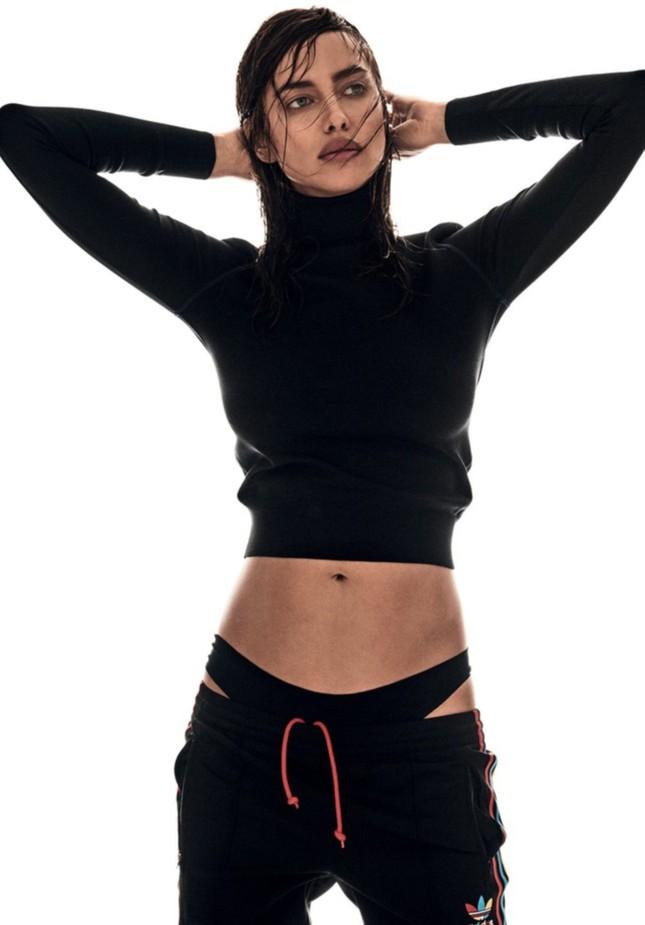 Irina Shayk nóng bỏng mở màn tạp chí Vogue 2017 ảnh 6