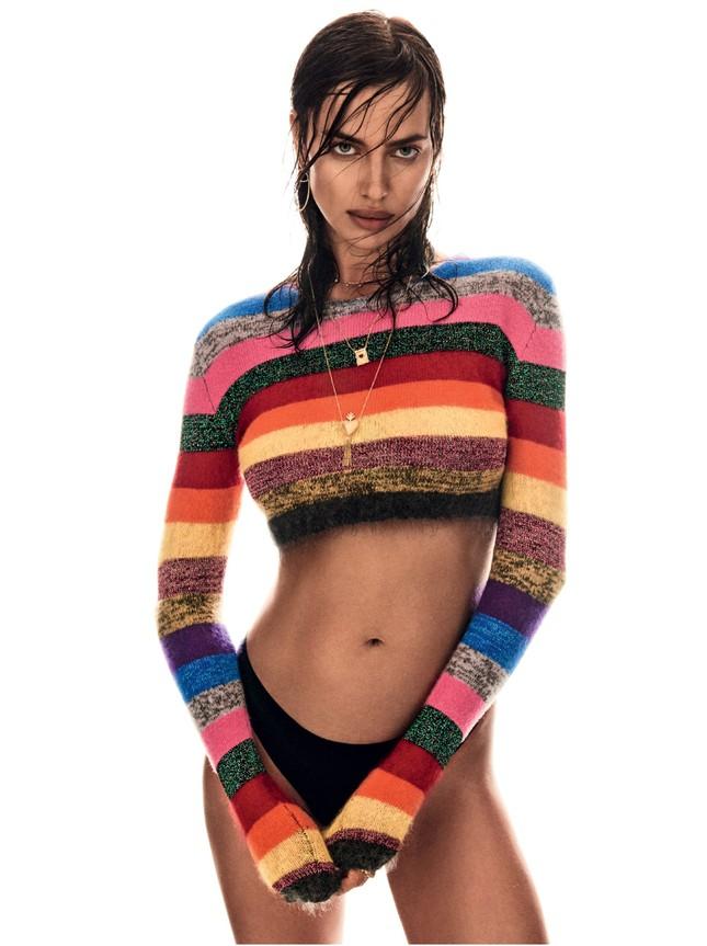 Irina Shayk nóng bỏng mở màn tạp chí Vogue 2017 ảnh 2