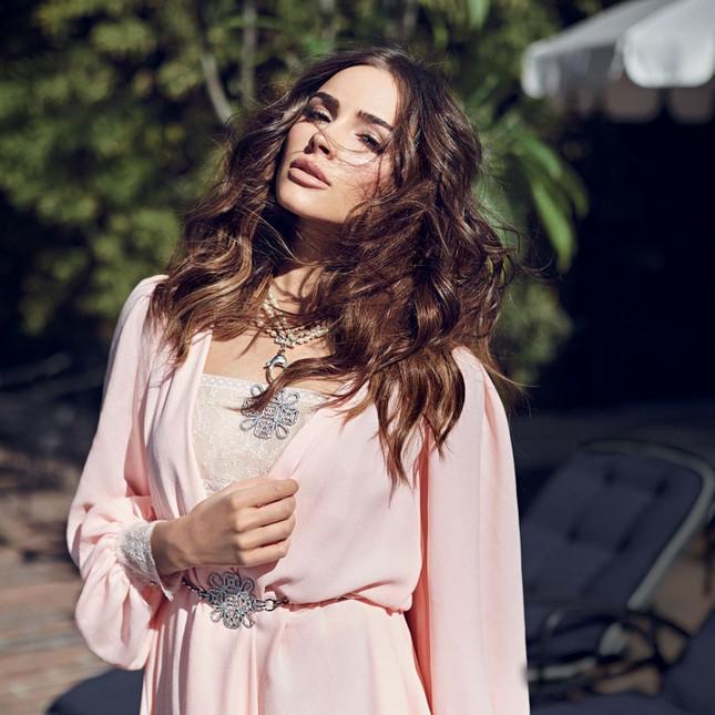 Hoa hậu Hoàn vũ 2012 Olivia Culpo ngày càng mặn mà, nóng bỏng ảnh 1